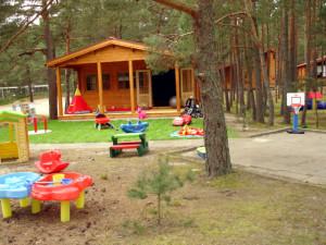 Domek zabaw z ogródkiem Juniora